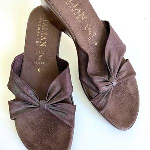 ITALIAN SHOEMAKERS BROWN WEDGE SANDALS SIZE 8